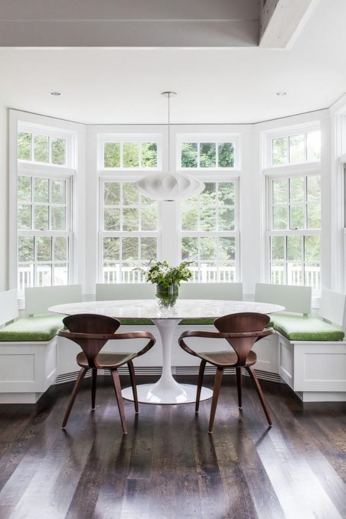Pourquoi choisir une table avec banquette pour la cuisine ou la salle manger - Maximize space in small kitchen property ...
