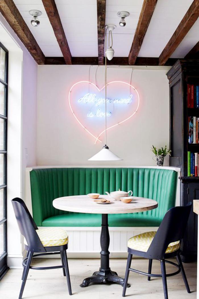 table-avec-banquette-petite-table-ronde-avec-banquette-verte