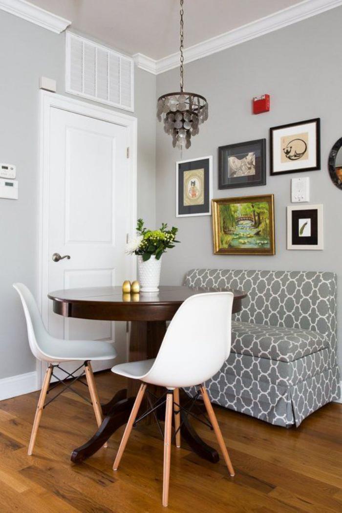Pourquoi choisir une table avec banquette pour la cuisine  : table avec banquette table ronde chaises scandinaves from archzine.fr size 700 x 1050 jpeg 78kB