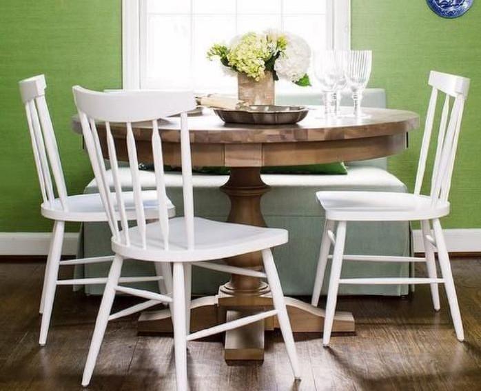 table-de-salle-à-manger-peinture-murale-verte