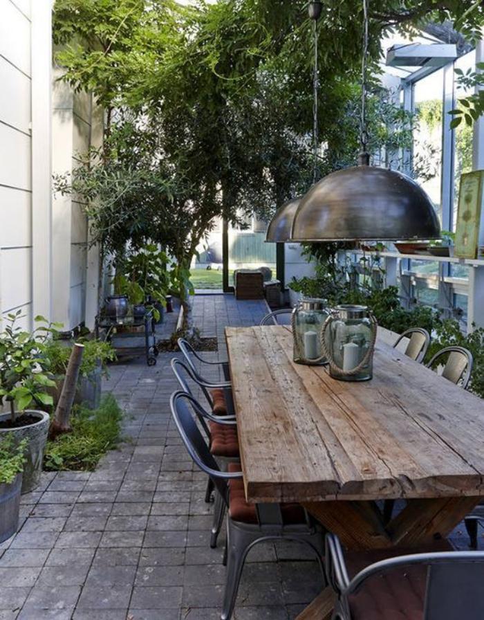 table-de-salle-à-manger-table-repas-rustique-et-chaises-tolix