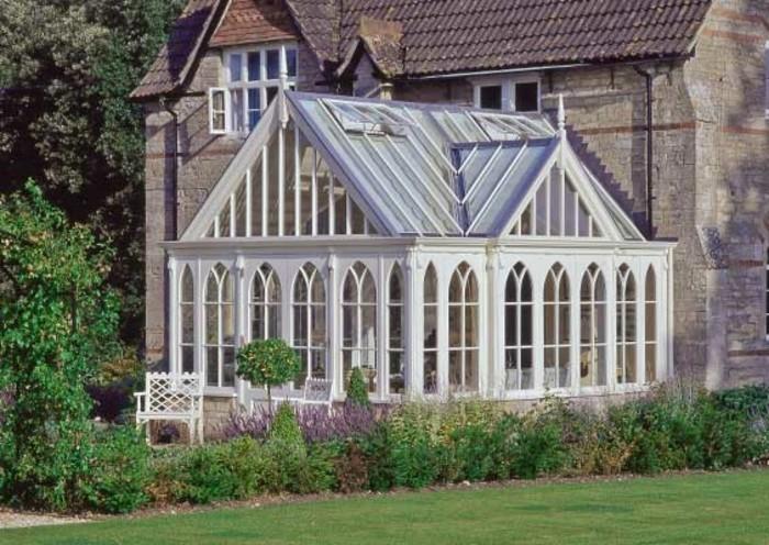 veranda-style-victorien-baies-vitrées-très-élégantes-style-gothique-raffiné