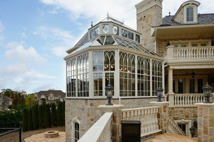 veranda-contemporaine-au-goût-vintage-très-élégante-modele-de-veranda-victorienne