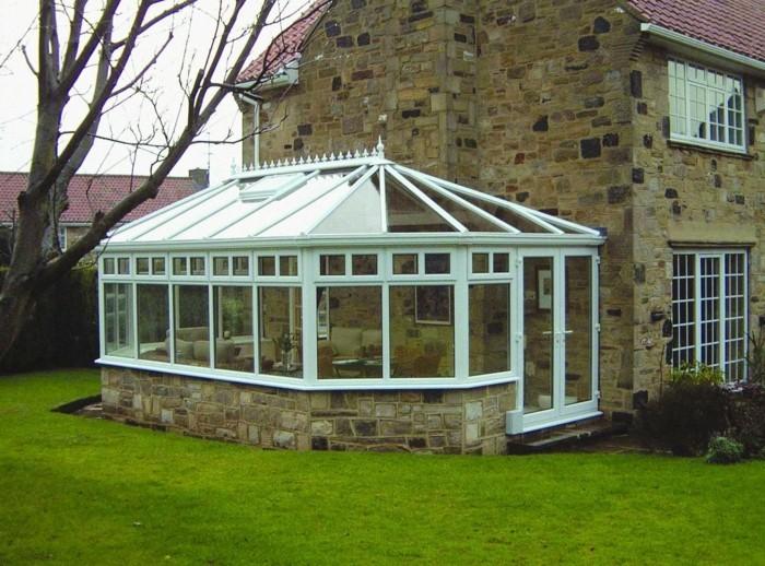 veranda-victorienne-design-élégant-et-simple-veranda-alu