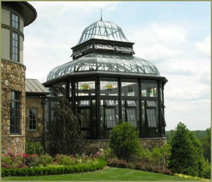 veranda-victorienne-somptueuse-design-très-élégant-et-soigné-veranda-en-noir