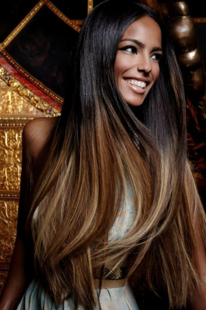 voir-cheveux-couleur-caramel-ombré-effet-cheveux-noirs-mèches-caramel-blond-doré