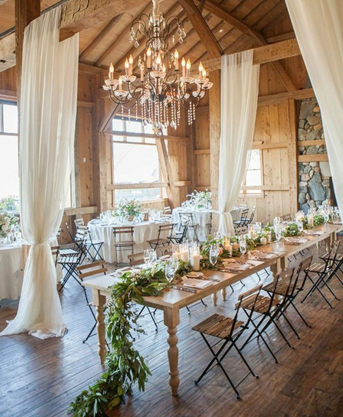 decoration-evenementielle-mariage-style-champetre-lustres-baroques ...