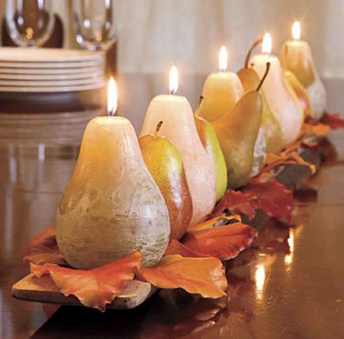 0-magnifique-deco-table-halloween-bougies-en-forme-de-poires-feuilles-oranges
