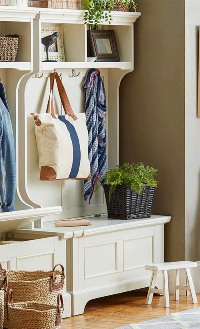 0-meuble-entree-en-bois-beige-vestiaire-d-entree-beige-comment-meubler-le-couloir