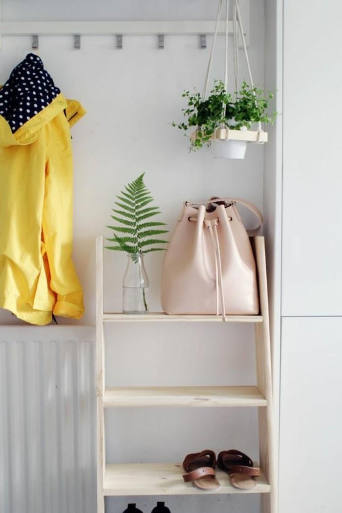00-comment-ranger-les-meubles-entree-etagere-en-bois-clair-porte-manteau-design-mural