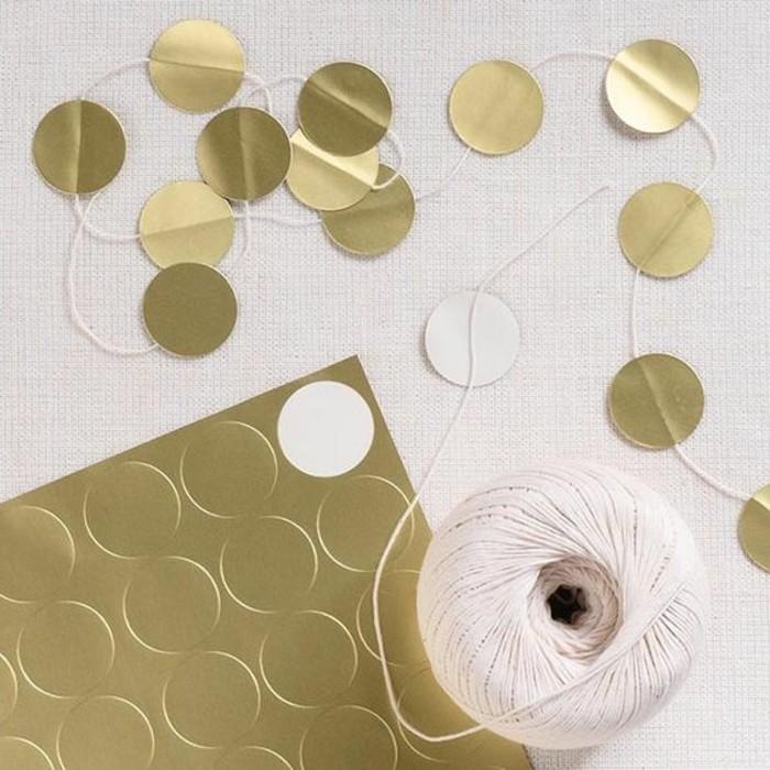 0000-diy-guirlande-mariage-a-faire-vous-memes-en-papier-dore-decoration-salle-des-fetes