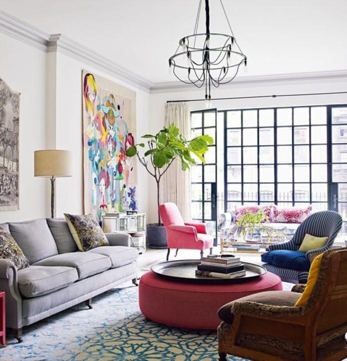 excellente-idee-couleur-peinture-salon-blanc-plusieurs-couleurs-vives-pour-animer-l-ambiance-lumiere-abondante