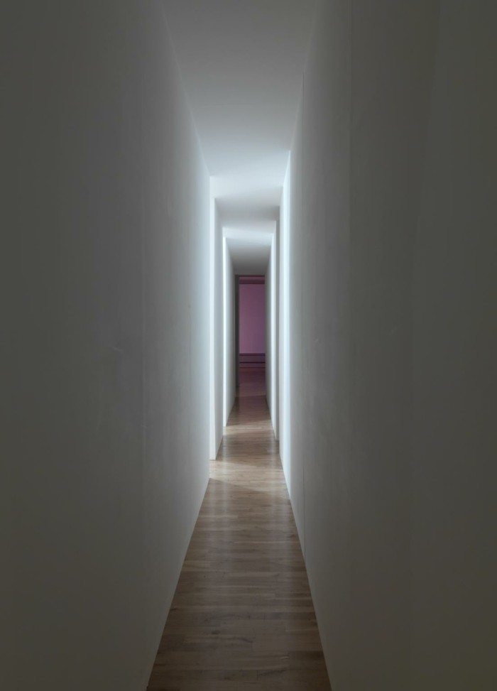 Changing Light Corridor with Rooms 1971 Bruce Nauman born 1941 ARTIST ROOMS Acquired jointly with the National Galleries of Scotland through The d'Offay Donation with assistance from the National Heritage Memorial Fund and the Art Fund 2008 http://www.tate.org.uk/art/work/AR00044