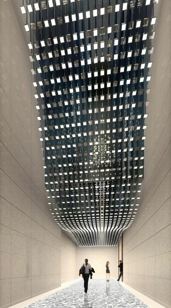 118-Luminaires couloir. Trois figures humaines.