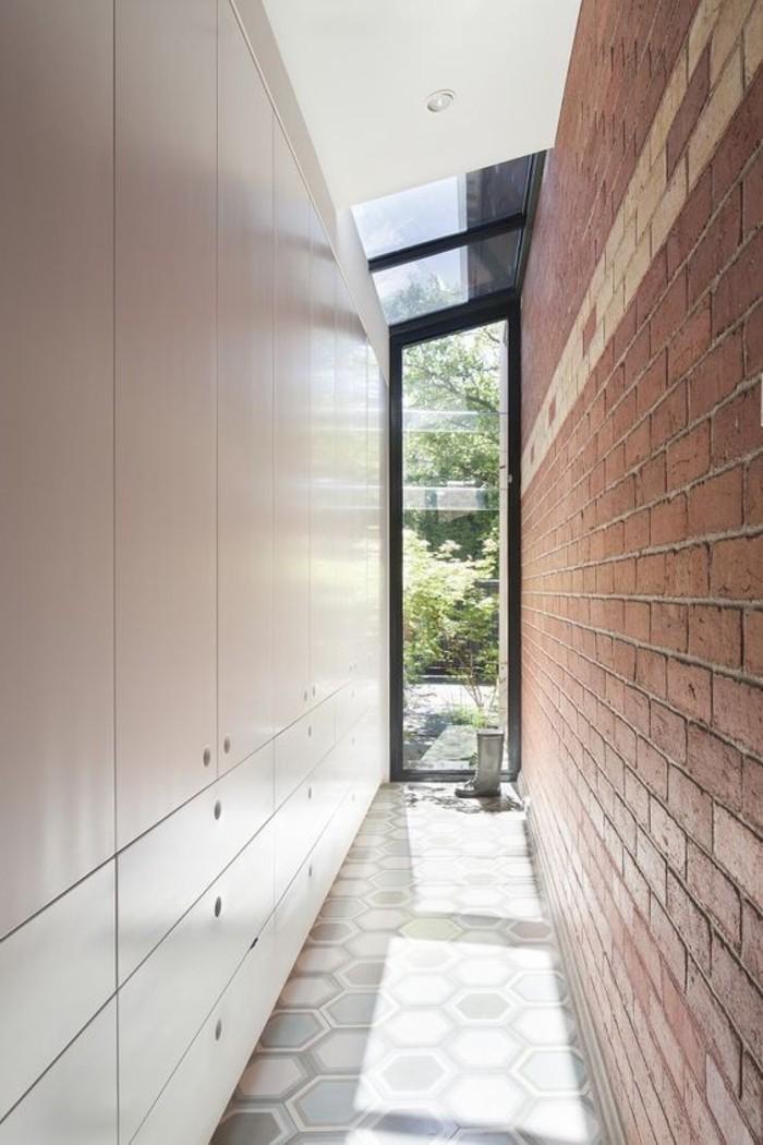 125-amenager-un-couloir-une-porte-vitree-resized