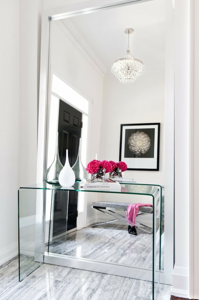 125-feng-shui-miroir-une-table-transparente