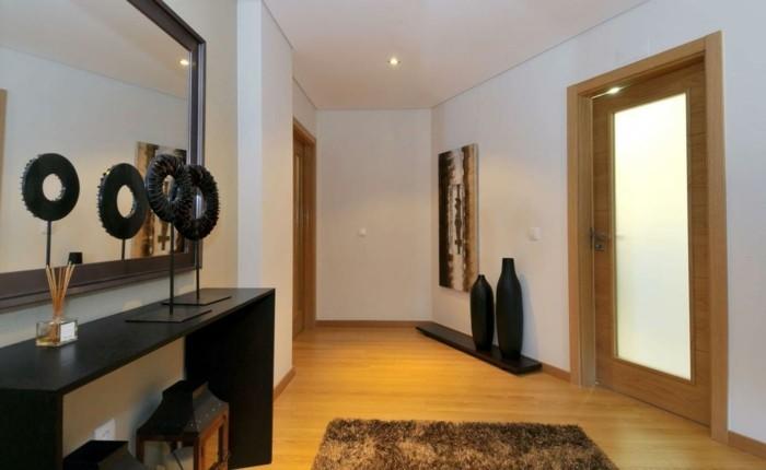 126-feng-shui-miroir-un-tapis-deux-vases-noires