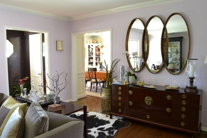 169-grand-miroir-chambre-un-canape-gris-un-placard-en-bois
