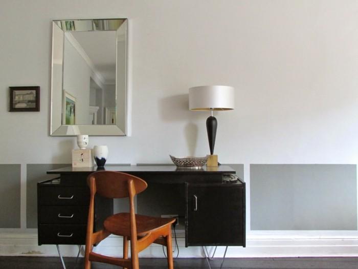 180-grand-miroir-chambre-un-placard-noir-une-chaise