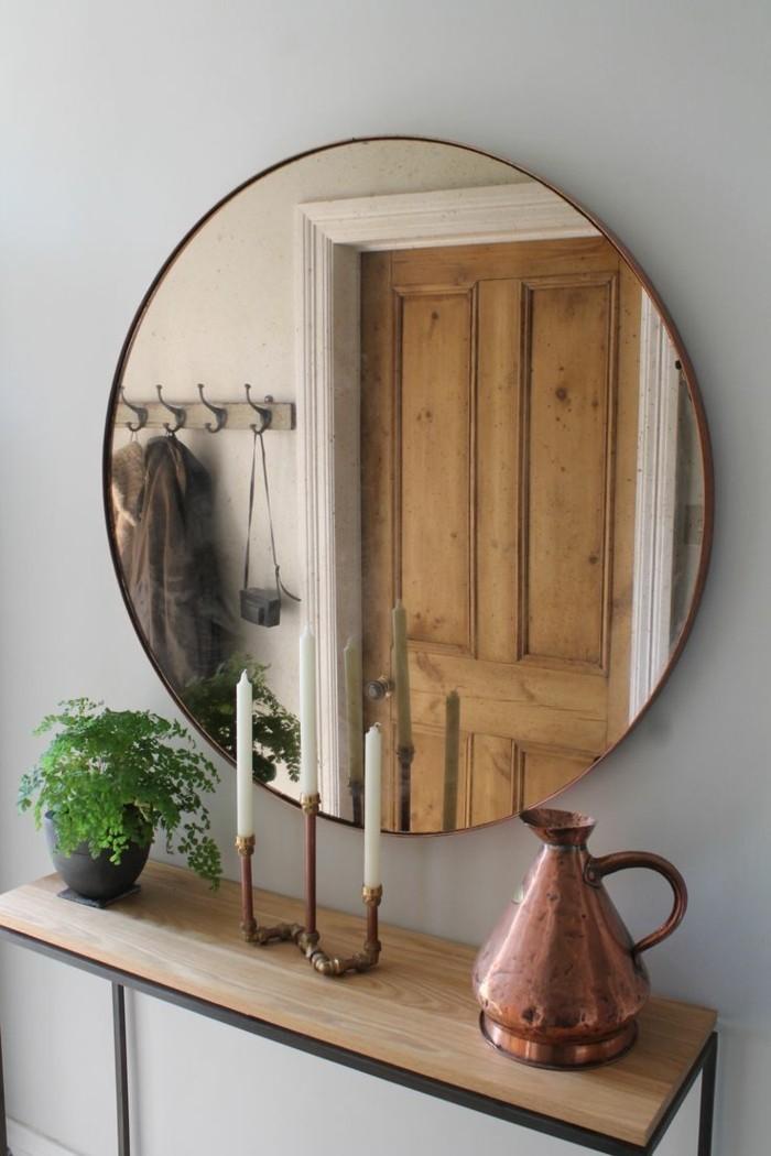 183-miroir-salon-une-plante-verte-des-bougies