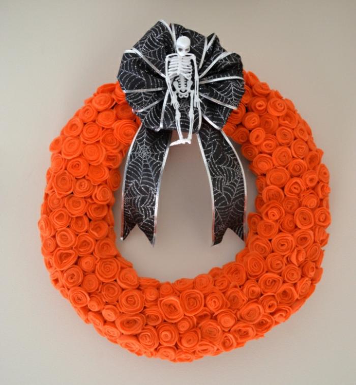 bricolage-halloween-facile-couronne-de-fleurs-tres-originale