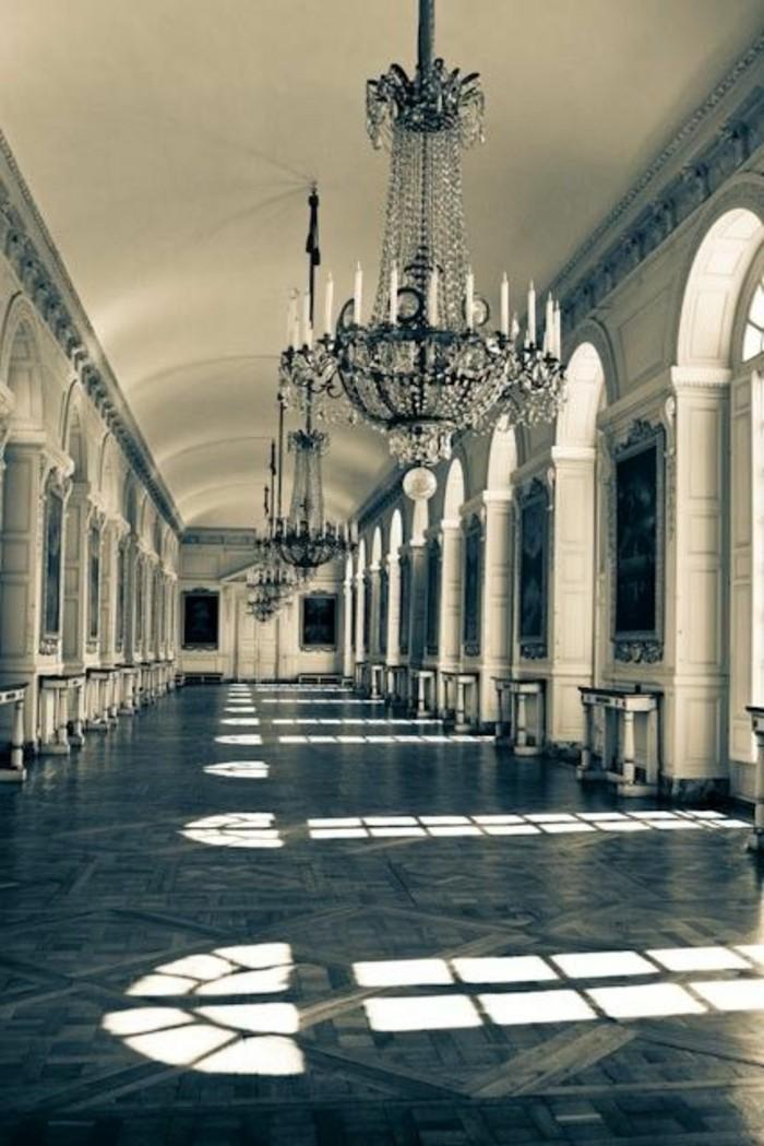 29-miroir-couloir-quelques-grands-lampions