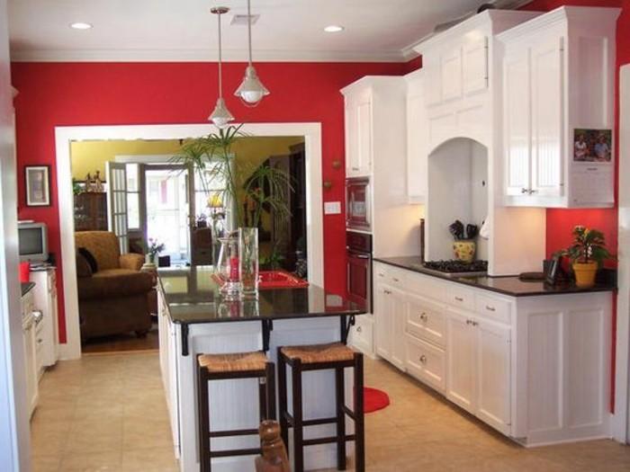 couleur-mur-cuisine-rouge-meubles-cuisine-blancs-magnifique-îlot-cuisine-idée-sympa