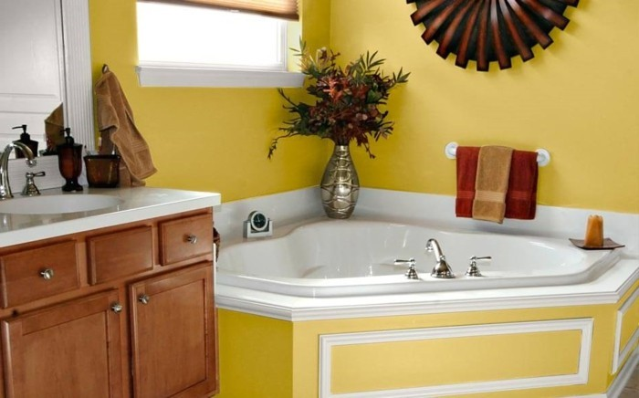 Peinture salle de bain 80 photos qui vont vous faire craquer for Salle de bain jaune et blanc