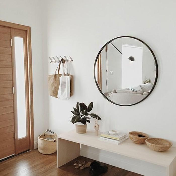 3-rond-miroir-design-mural-sol-en-parquet-clair-petit-console-d-entre
