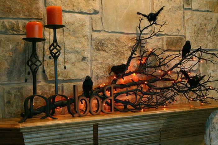 idee-originale-diy-bricolage-haloween-originale-scene-macabre-branche-d-arbre-avec-de-corbeaux-perches