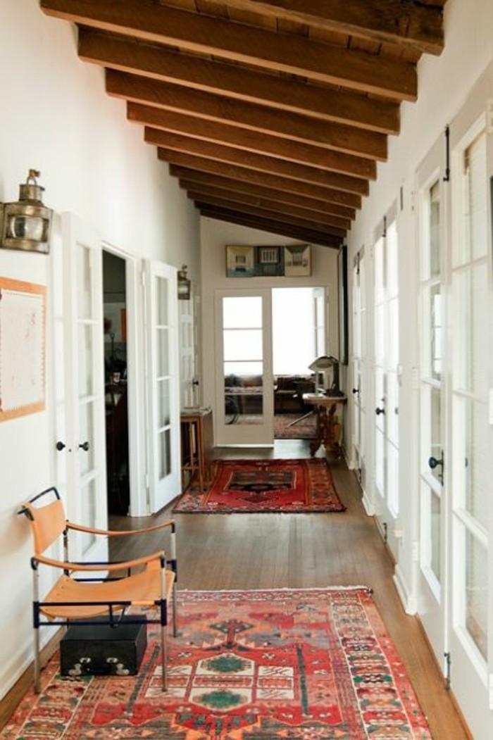 31-long-tapis-de-couloir-couleurs-rougeatres