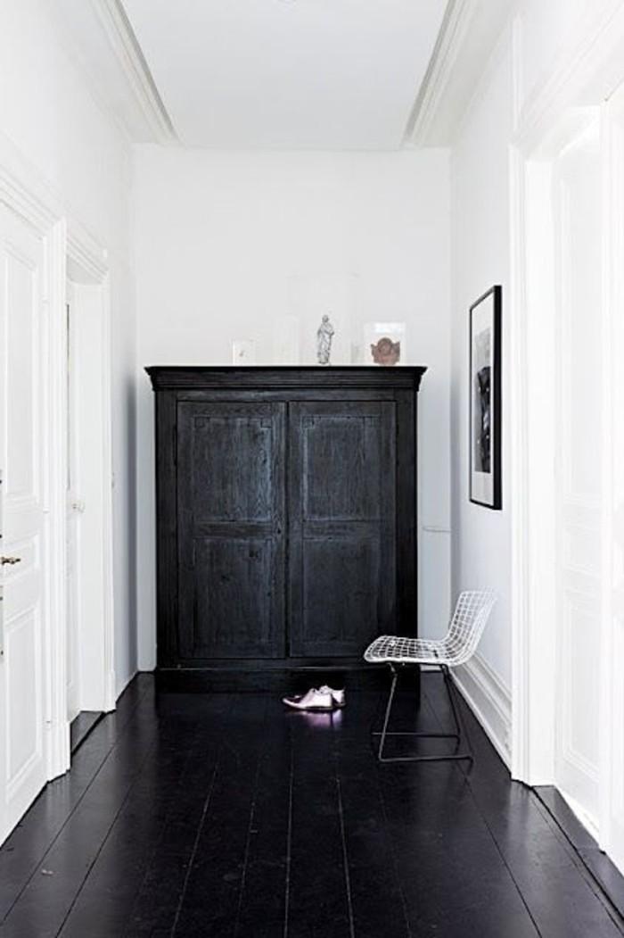 35-placard-couloir-plancher-noir-resized