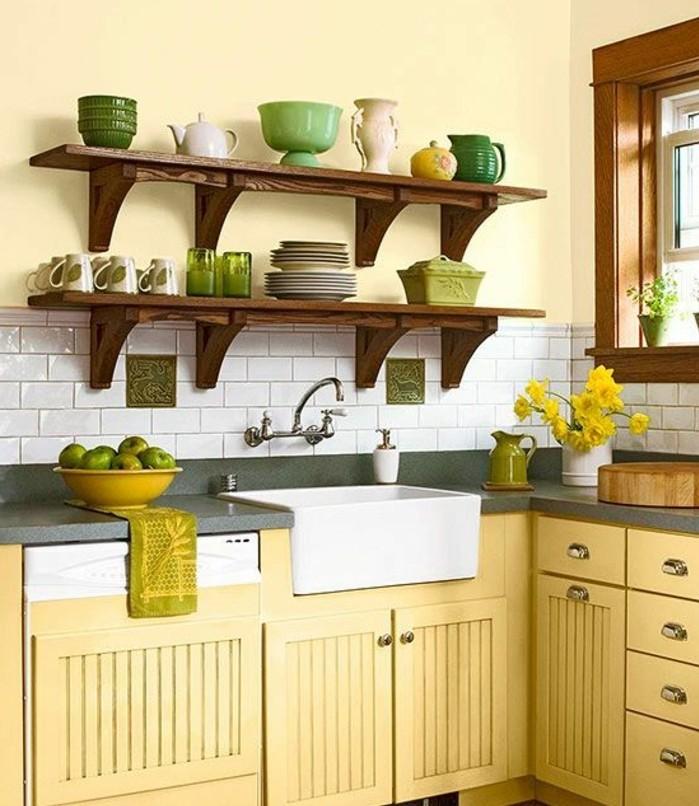 excellent-exemple-peinture-cuisine-jaune-peinture-meuble-cuisine-jaune-étagères-en-bois-style-campagne