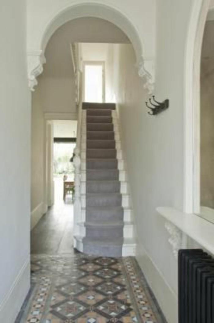 40-long-tapis-de-couloir-murs-en-blanc