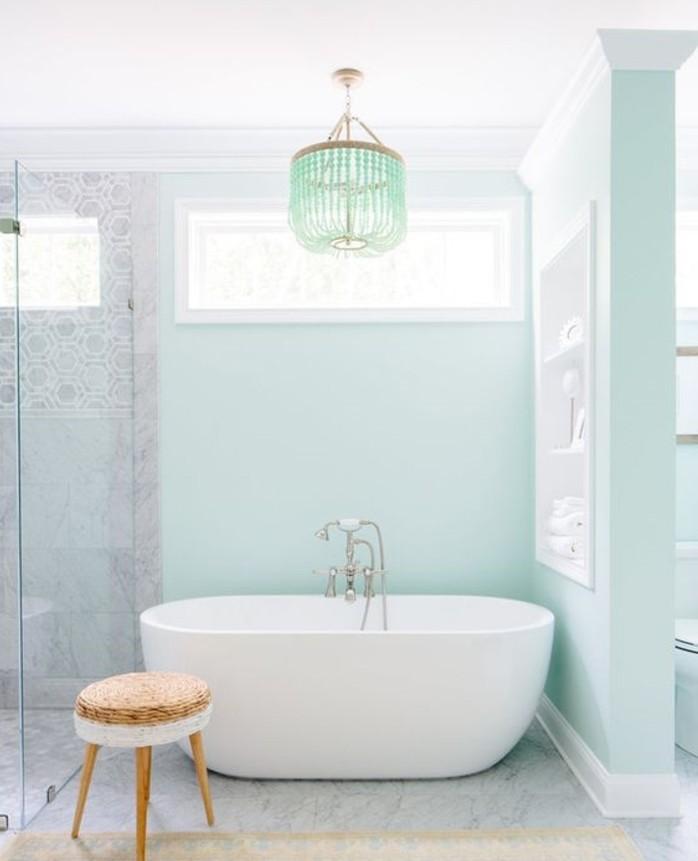 Idée peinture salle de bain magnifique Peinture murale en bleu