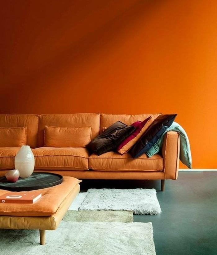 idee-peinture-salon-extraordinaire-murs-orange-en-harmonie-avec-la-couleur-des-meubles