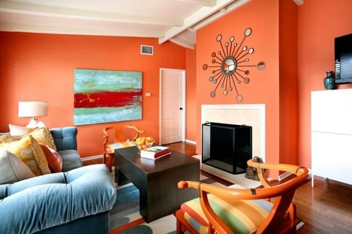 idee-peinture-salon-orange-table-en-bois-fauteuils-multicolores-canape-bleu