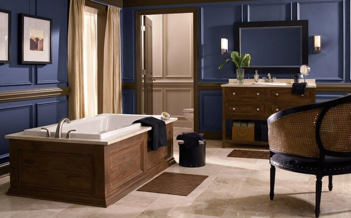 idée unique, couleur salle de bain bleu foncé, baignoire à poser ...