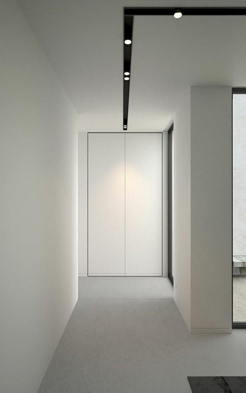 52-eclairage couloir. Murs en blanc.