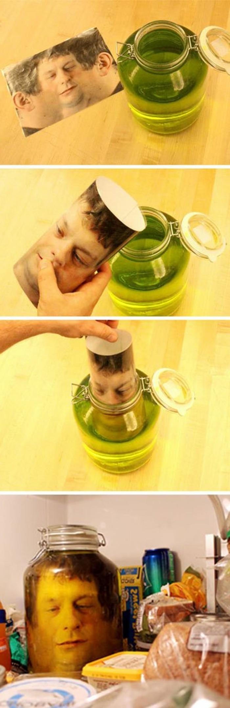 bricolage-halloween-idee-vraiment-terrifiante-une-tete-d-homme-dans-un-pot-rempli-de-formaldehyde