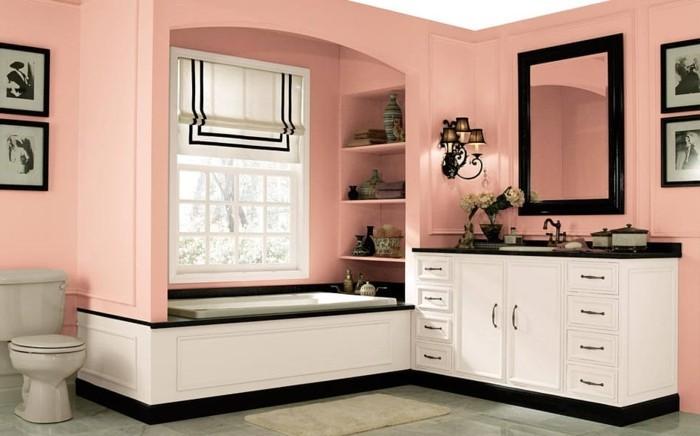 modele-salle-de-bain-très-élégant-peinture-pour-salle-de-bain-rose-meuble-salle-de-bain-et-baignoire-blancs-décoration-vieille-photos-et-objets-vintage