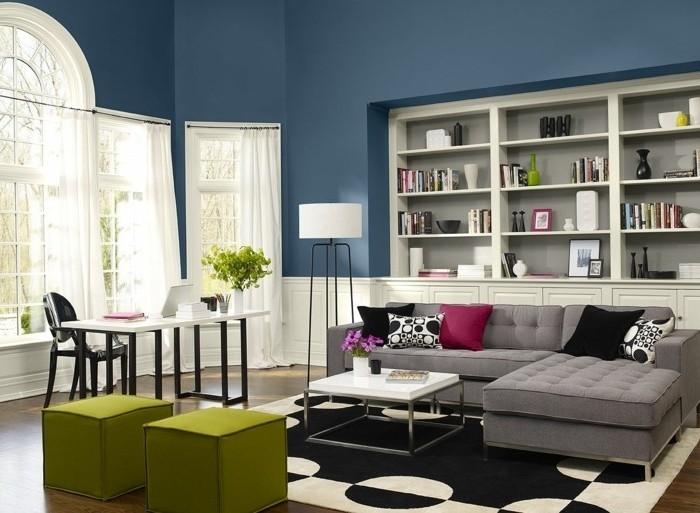 quelle-peinture-choisir-pour-un-salon-spacieux-couleur-mur-salon-bleue-benjamin-moore-etageres-canape-gris-coin-travail