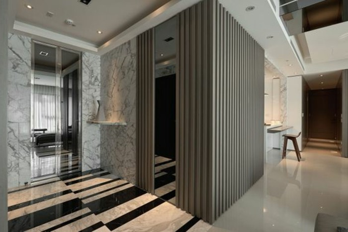 63-miroir-feng-shui-le-plancher-est-en-marbre