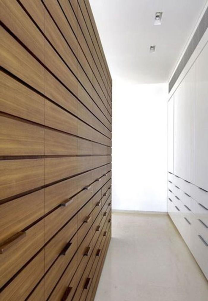 71-dressing-couloir-il-y-a-de-la-lumiere-au-fond-resized