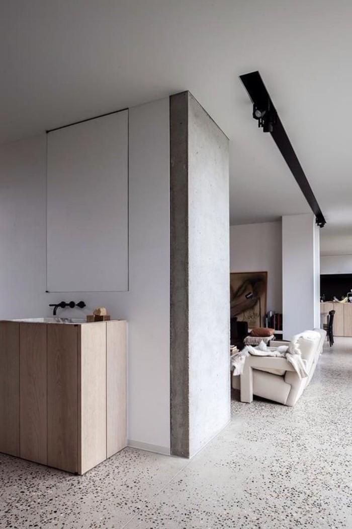 77-dressing-couloir-un-plafond-blanc-resized
