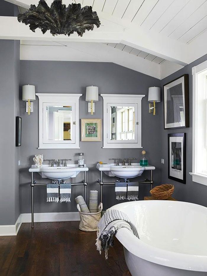 idée-sublime-salle-de-bain-grise-baignoire-à-poser-lavabos-console-très-jolie-décoration