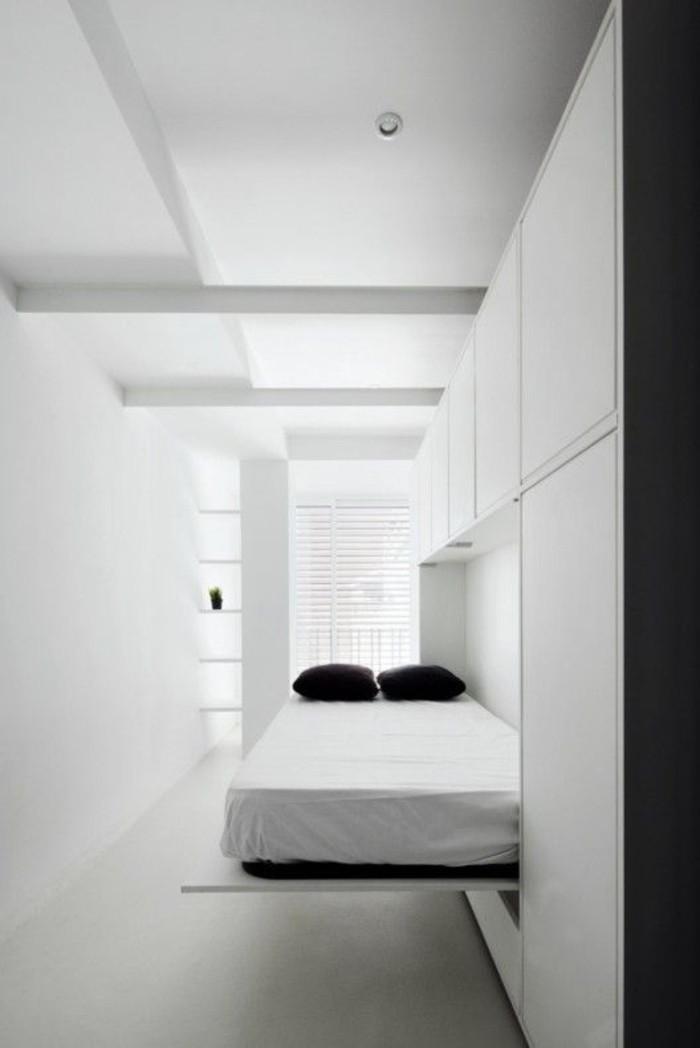 96-rangement-couloir-deux-coussins-noirs-resized