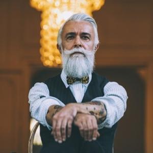 Coloration cheveux homme - nécessité ou caprice pour les cheveux gris ?
