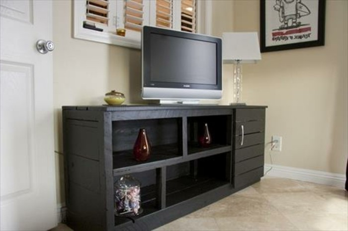 faire son meuble tv en bois. Black Bedroom Furniture Sets. Home Design Ideas