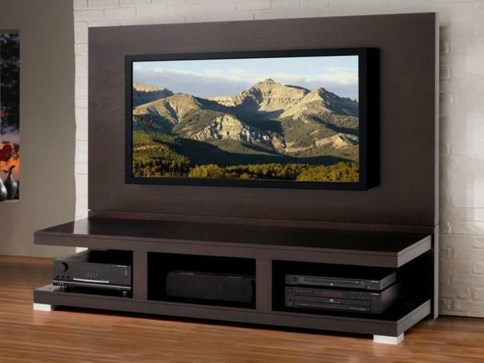 diy-meuble-tv-en-bois-design-simple-et-esthetique